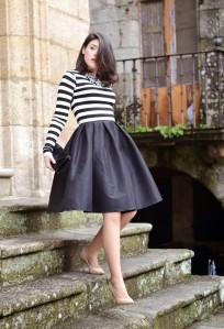 Striped-midi-skirt-black-white
